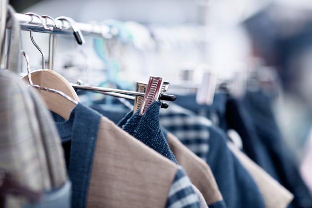 Cómo organizar un almacén de ropa