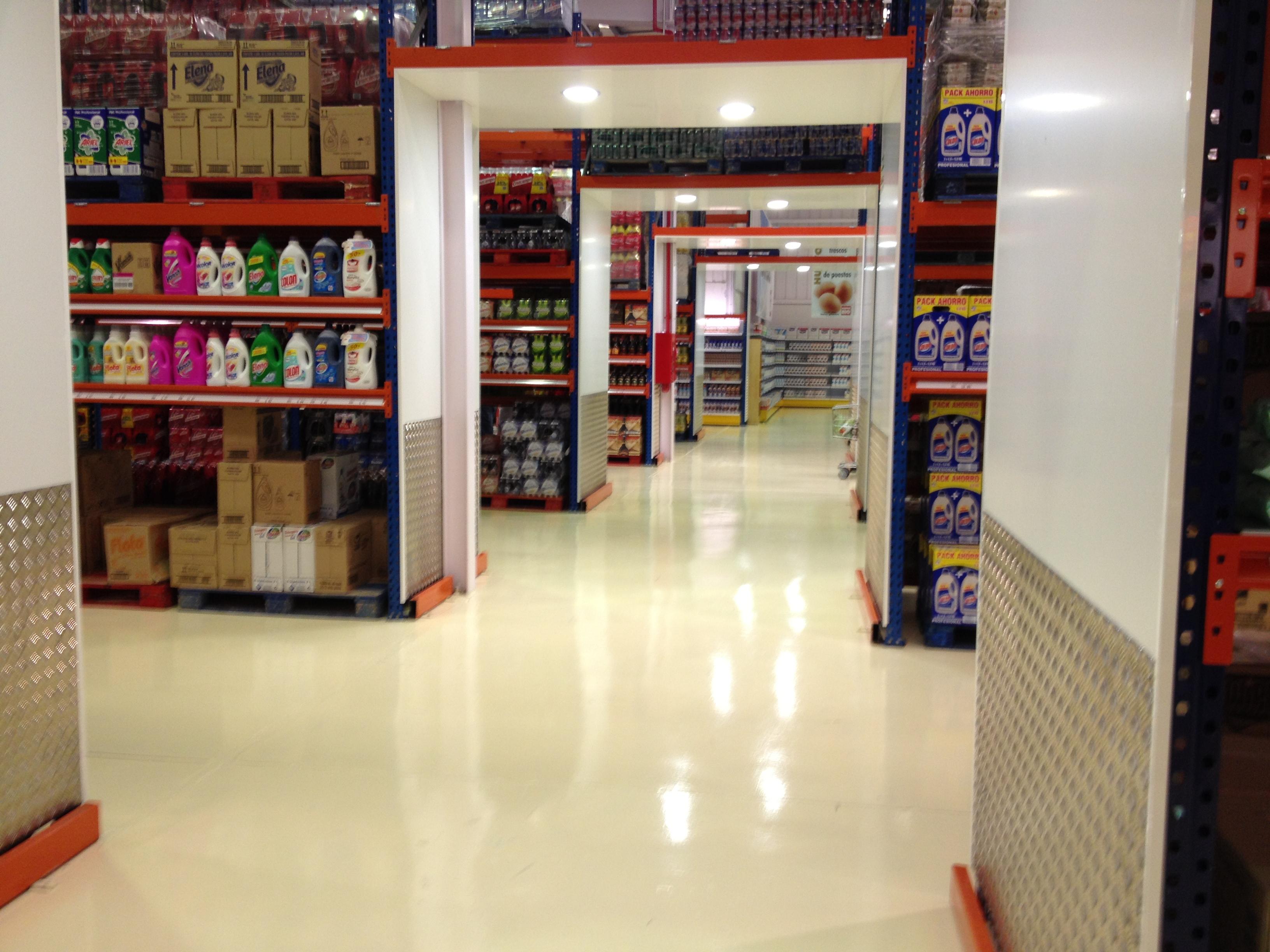 Estanter as met licas de l nea blanca mc mobiliario - Accesorios para supermercados ...